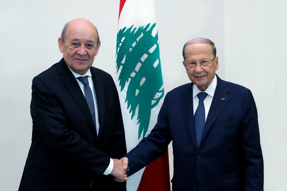 Lebanese President Michel Aoun (R) and France's Foreign Minister Jean-Yves Le Drian at the Baabda Palace in Beirut, Lebanon on 23 July 2020 [Lebanese Presidency/Anadolu Agency]