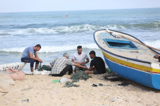 The Israeli occupation forces completely closed the Gaza Strip's fishing zone due to the alleged breach of the security truce on 16 August 2020 [Mohammed Asad/Middle East Monitor]