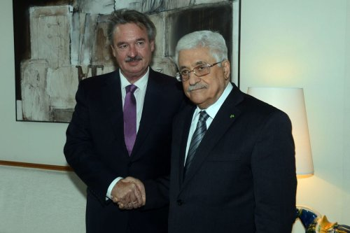 Palestinian President Mahmoud Abbas (R) meets with Foreign Affairs and Minister of the Grand Duchy of Luxembourg, Jean Asselborn on 13 February 2015 in Luxembourg. [Thaer Ghanaim/PPO via Getty Images]
