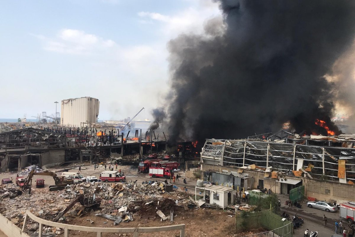 Smoke rises after a fire broke out at warehouse where oil and tires are placed in Port of Beirut on 10 September 2020 [Mahmut Geldi/Anadolu Agency]