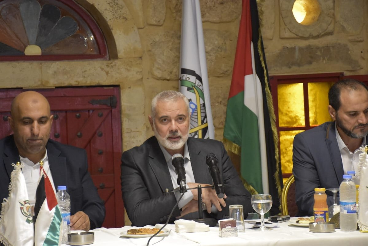 Chairman of the Hamas Political Bureau Ismail Haniyeh (C) holds a press conference during his visit in Beirut, Lebanon on 11 September 2020. [Mahmut Geldi - Anadolu Agency]