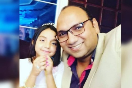 Egyptian pharmacist Mohamad El-Fangary (R) died from the coronavirus following the death of this parents and brother who also died from the same disease