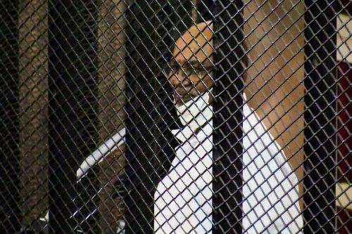 Sudan's ousted President Omar al-Bashir appears in court in Khartoum, Sudan on 1 September 2020. [Mahmoud Hjaj - Anadolu Agency]