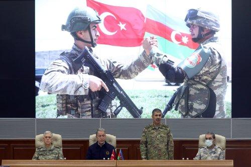 BAKU, AZERBAIJAN - NOVEMBER 11: Turkish Defense Minister Hulusi Akar, Turkey's Land Forces Commander Gen. Umit Dundar (L), Air Forces Commander Gen. Hasan Kucukakyuz (R) and Minister of Defence of Azerbaijan, Zakir Hasanov (2nd R) attend a ceremony held for the deal reached to halt fighting over the Nagorno-Karabakh, at Azerbaijan Defense Ministry in Baku, Azerbaijan on November 11, 2020. ( Arif Akdoğan - Anadolu Agency )