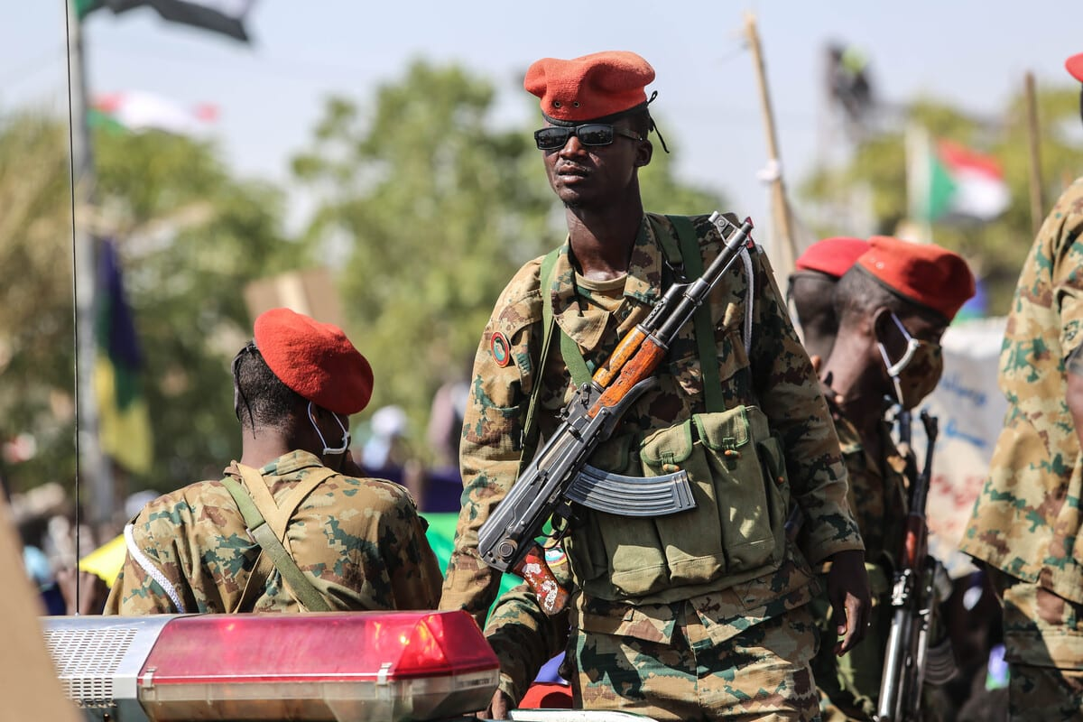 Sudanese security forces stand guard in Sudan on 15 November 2015 [Mahmoud Hjaj/Anadolu Agency]