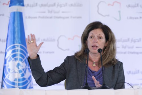 Stephanie Williams, head of the UN Support Mission in Libya (UNSMIL) speaks during a press conference on the 7th and closing day of Libyan Political Dialogue Forum, on 16 November 2020 in Tunis, Tunisia. [Yassine Gaidi - Anadolu Agency]