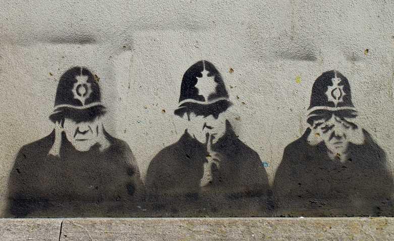 Cops graffiti in East London [Twitter]