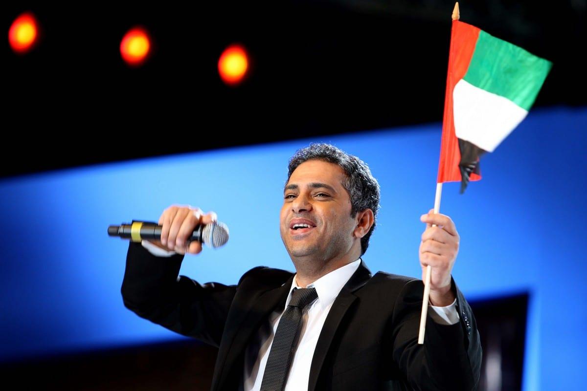 Lebanese singer Fadel Shaker in Abu Dhabi, UAE late on 4 December 2009 [IBRAHIM ADAWI/AFP/Getty Images]