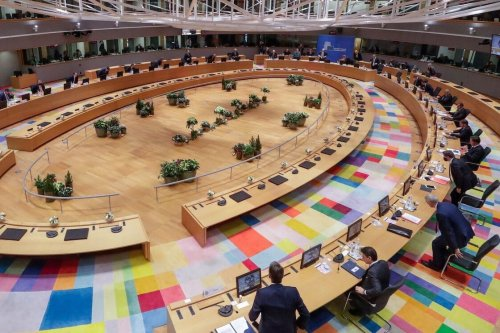 EU leaders sit for a round table meeting during an EU summit at the European Council building in Brussels, on 10 December 2020. [OLIVIER HOSLET/POOL/AFP via Getty Images]