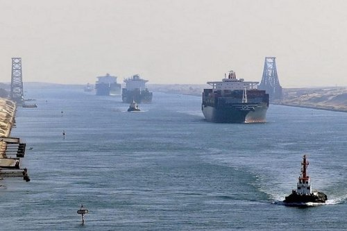 Traffic in the Suez Canal [Suez Canal Media Center]