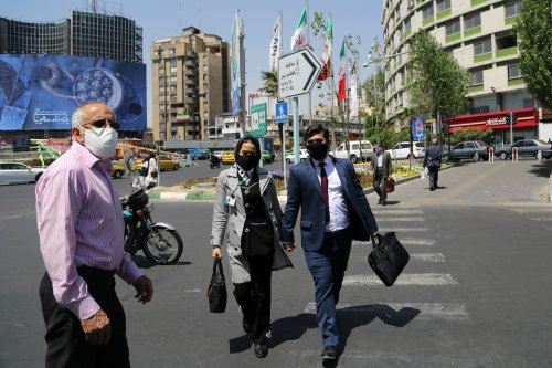 TEHRAN, IRAN - APRIL 17: People wear face masks as a preventive measure against the coronavirus (COVID-19) as daily life continues in the country amid COVID-19 pandemic in Tehran, Iran, on April 17, 2021. ( Fatemeh Bahrami - Anadolu Agency )
