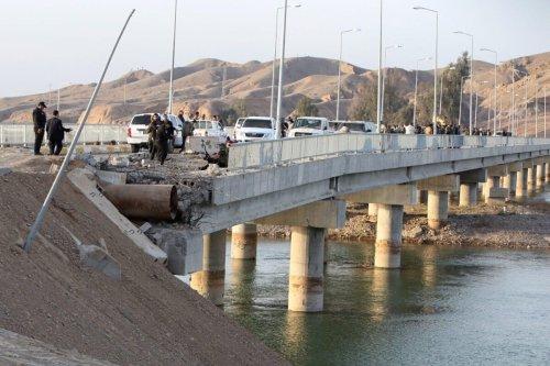 Al-Sodor Bridge, over the Tigris River, near al-Mansuriya in Iraq's Diyala province [AHMAD AL-RUBAYE/AFP via Getty Images]