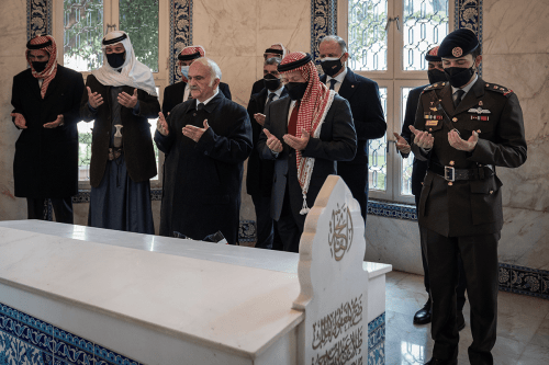 King of Jordan Abdullah II (front R), Prince Hamza Bin Hussein (2nd L), Prince Hassan Bin Talal (front L) and Hussein, Crown Prince of Jordan (R) visit the mausoleum of the Hashemite royal family on the 100th anniversary of the founding of Jordan in Amman, Jordan on 11 April 2021 [@RHCJO/Twitter]