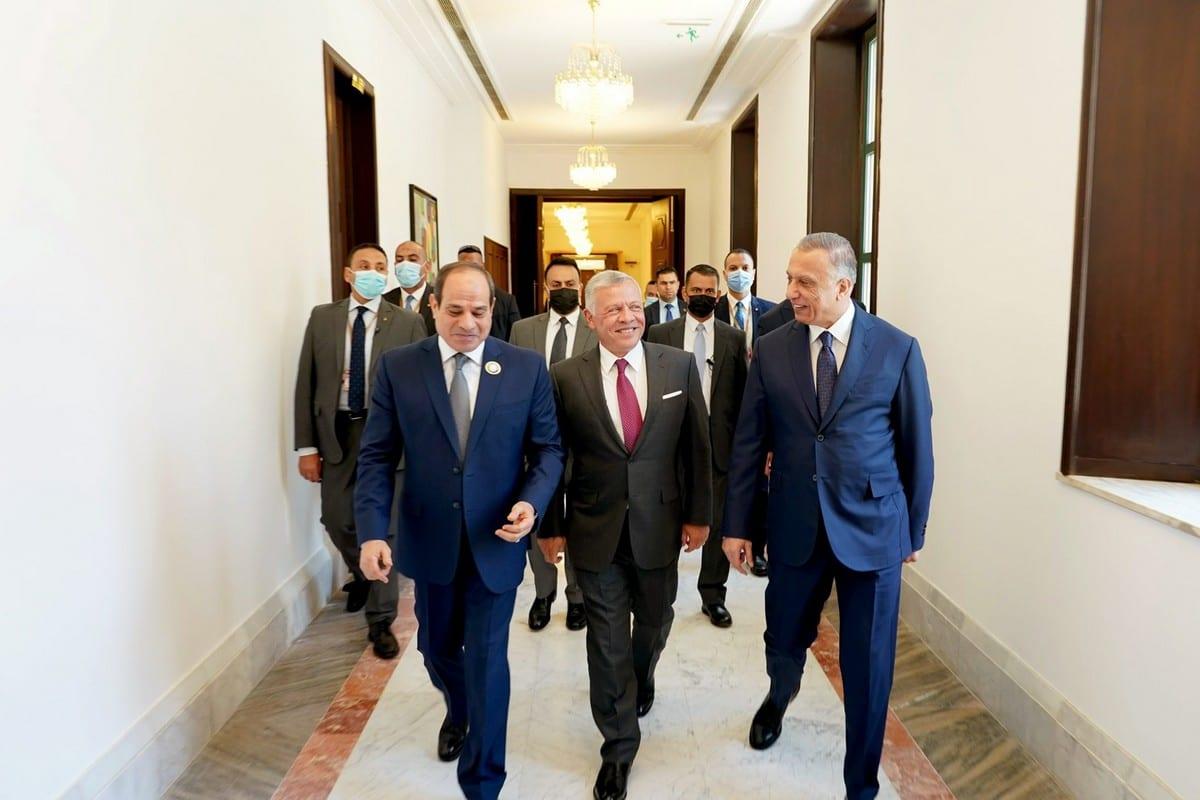 Iraqi Prime Minister Mustafa Al-Kadhimi (R), Egyptian President Abdel Fattah Al-Sisi (L) and King Abdullah II of Jordan (C) attend the 'Tripartite Summit' in Baghdad, Iraq on 27 June 2021 [Iraqi Prime Ministry Press Office/Anadolu Agency]