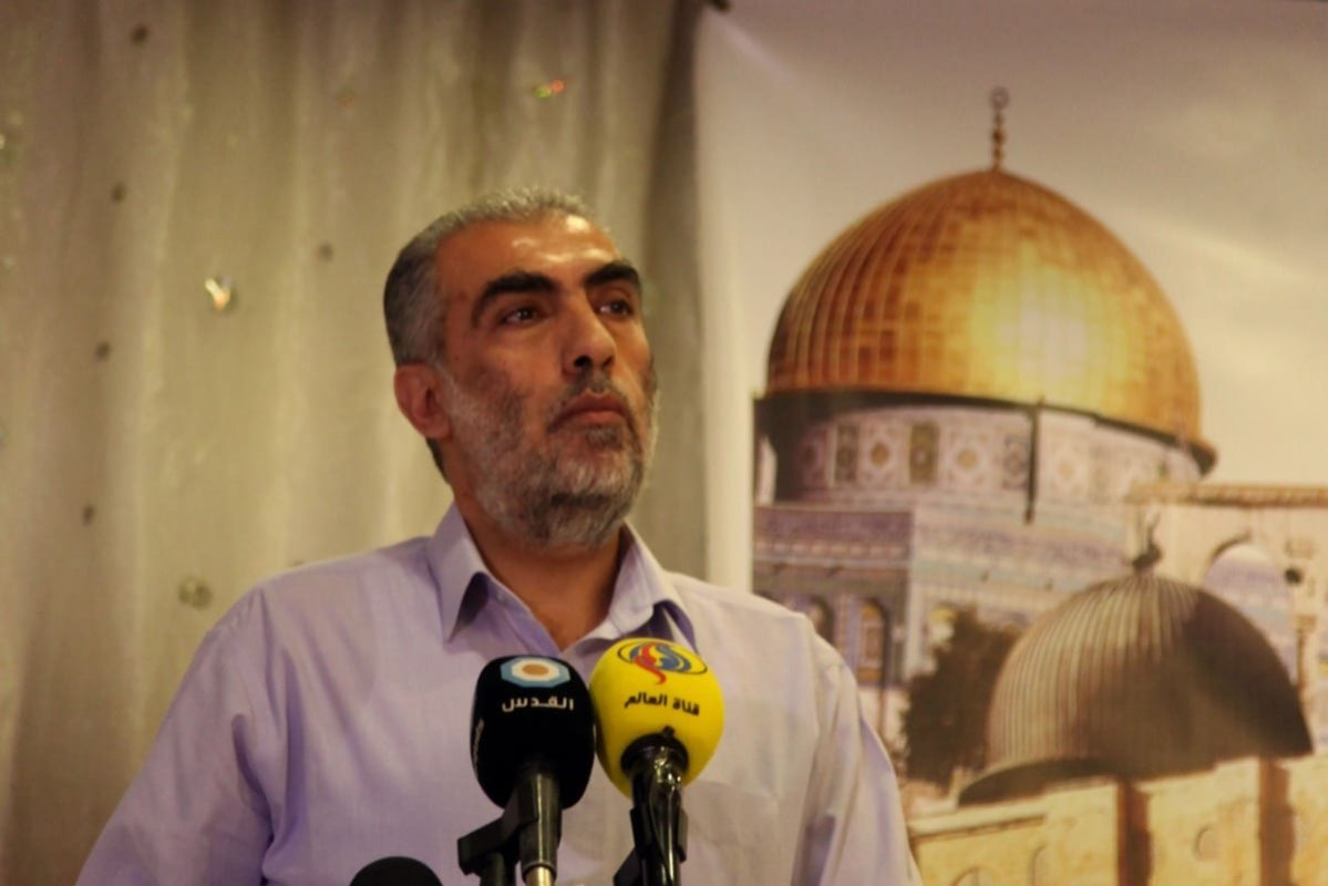 Deputy head of the Islamic Movement, Sheikh Kamal Khatib speaks during a a press conference to talk about latest violations in Al-Aqsa Mosque in Jerusalem, on August 4, 2014 [Saeed Qaq/Apaimages]