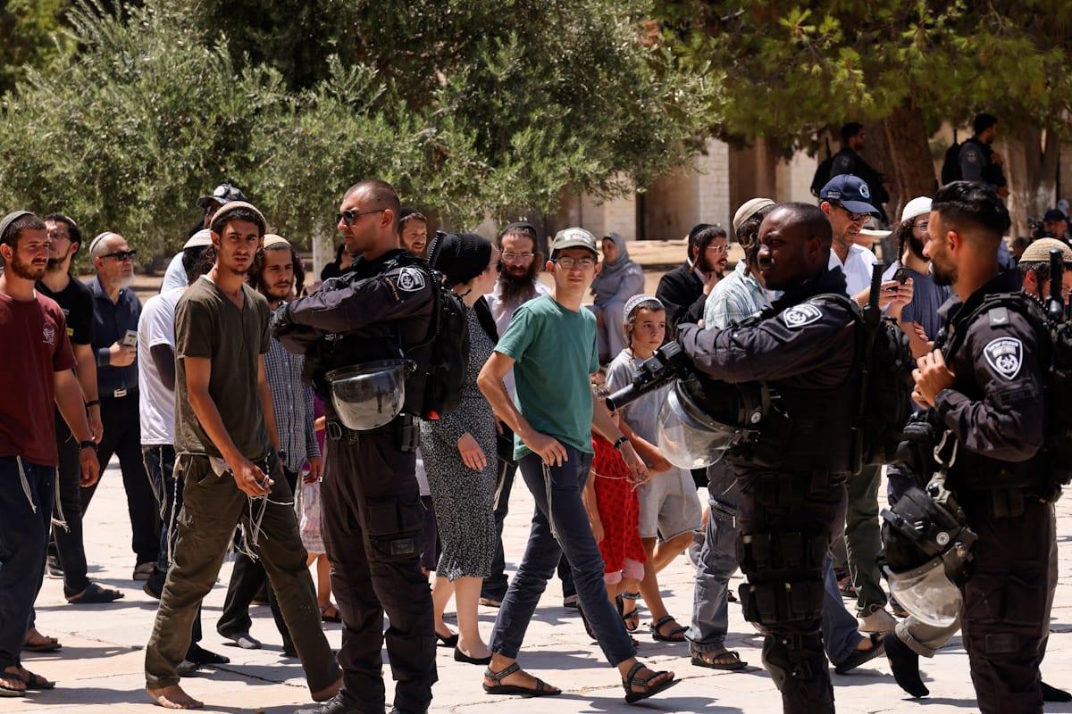 Thumbnail - Israel attacks worshippers at Al-Aqsa