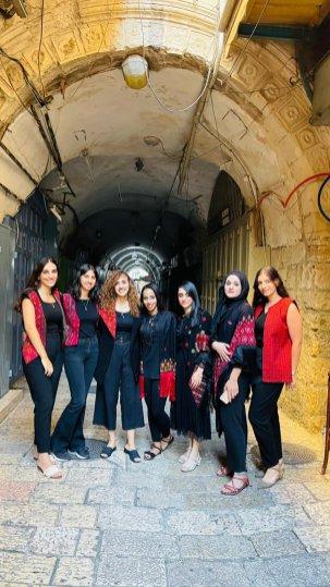 Singer Aya Halaf and fellow singers[Aya Halaf]