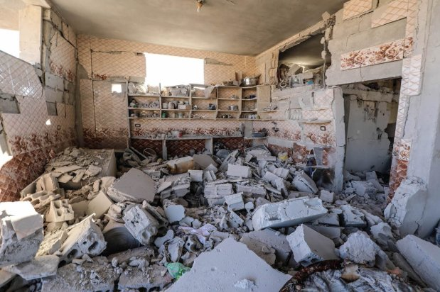 A view of a completely destroyed building after shelling by the Assad regime and Iranian-affiliated terror groups, in breach of a truce in Kansafra village, de-escalation zone Idlib, Syria on 20 August 2021. [Izzeddin Kasim - Anadolu Agency]