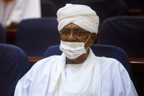 Former President Omar Al-Bashir, who was dismissed by the military on April 11, 2019, seen in court in Khartoum, Sudan on 24 August 2021 [Mahmoud Hjaj/Anadolu Agency]