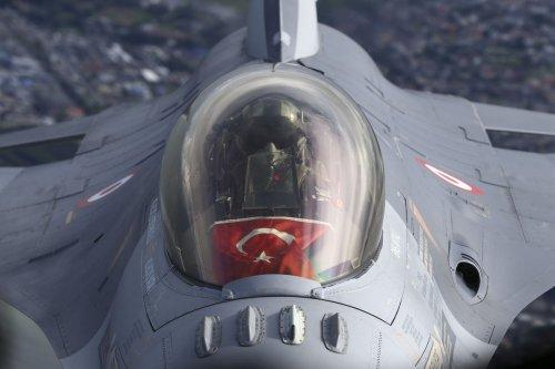 Turkish F-16 fighter on August 27, 2021 [Cüneyt Karadağ/Anadolu Agency]