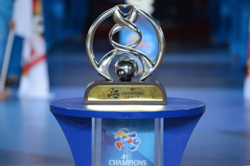 The AFC Champions League Trophy is displayed during the AFC Champions League Final 2nd leg match at Guangzhou Tianhe Sport Center Stadium on November 9, 2013 in Guangzhou, China. [Thananuwat Srirasant/Getty Images]
