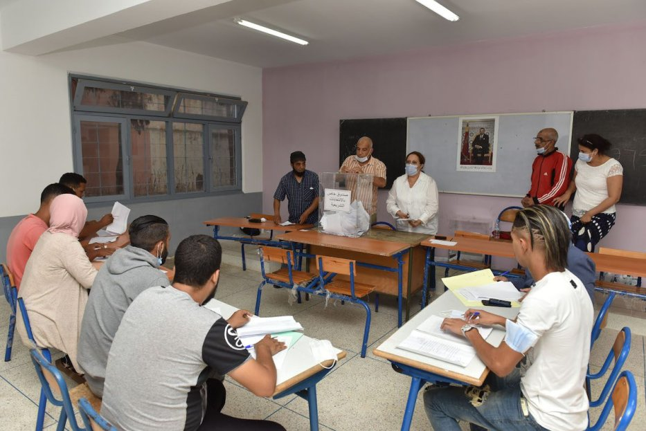Poling clerks start to count votes after the parliamentary and municipal elections, at a polling station in Rabat, Morocco on September 08, 2021. [Jalal Morchidi - Anadolu Agency]