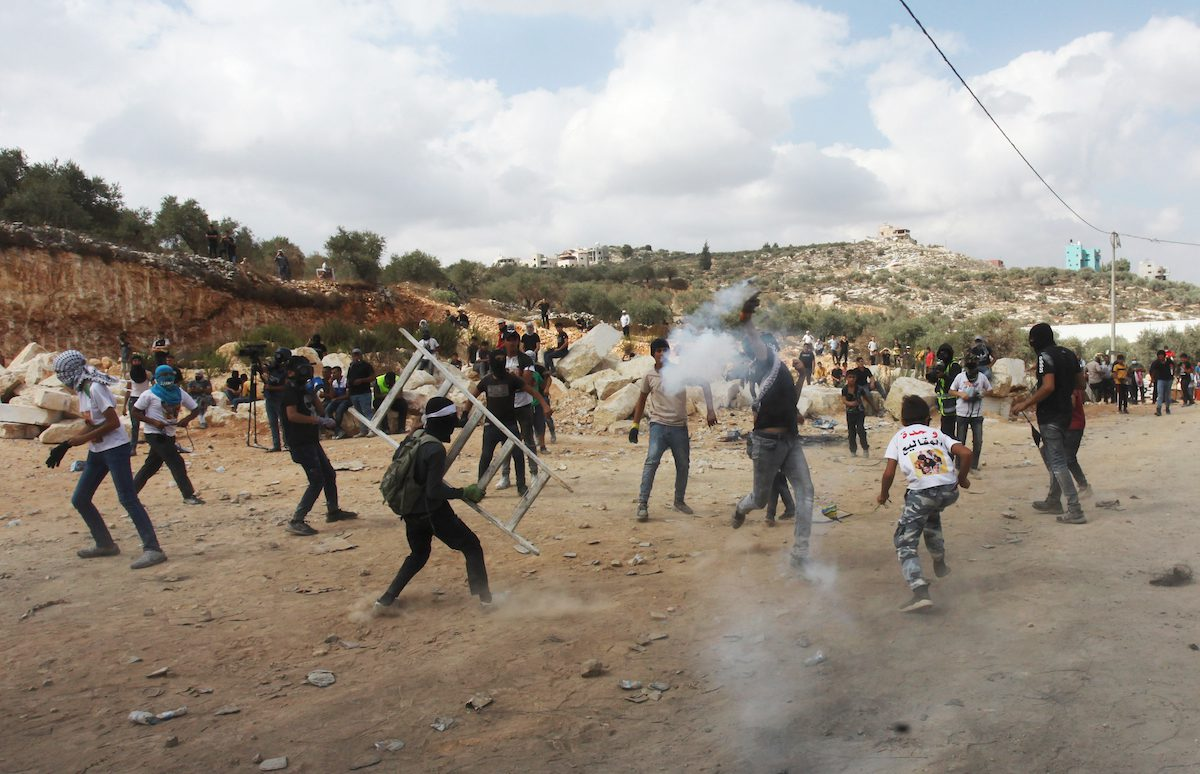 Palestinians stage a demonstration in solidarity with Palestinian prisoners staging hunger strike at Israeli prisons, in Nablus, West Bank on September 10, 2021 [Nedal Eshtaya/Anadolu Agency]