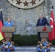 German chancellor in Istanbul to meet Turkey president