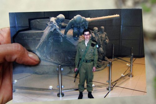 Photo showing Israeli soldier Gilad Shalit in June 27, 2006 [David Silverman/Getty Images]