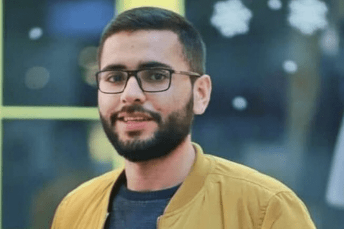 Palestinian prisoner Miqdad Al-Qawasmi, who has been on hunger strike for 98 days, could die at any moment [Twitter]