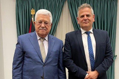 Palestinian Authority (PA) President Mahmoud Abbas meets Israeli health minister, on 3 October 2021 [@NitzanHorowitz/Twitter]
