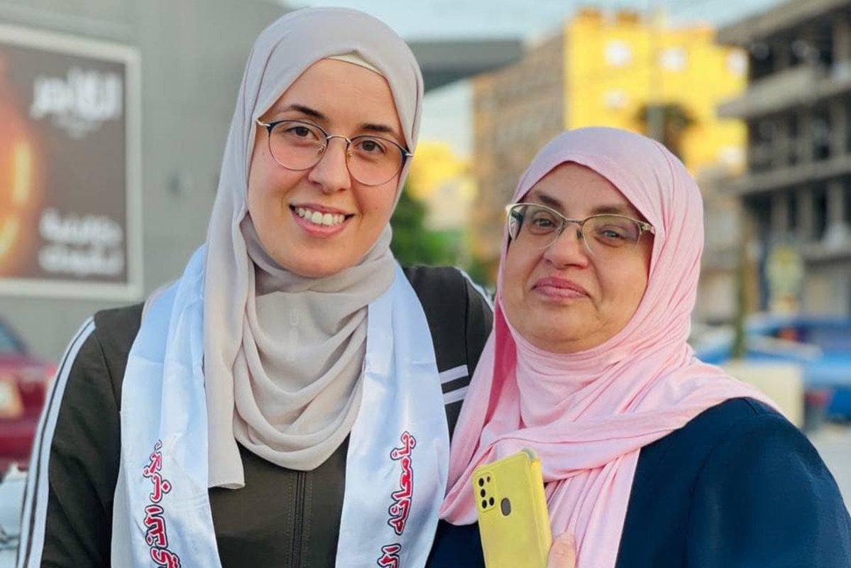 Palestinianjournalist, Bushra Al-Taweel (L), on 5 October 2021 [Mohammed Atiq/Facebook]