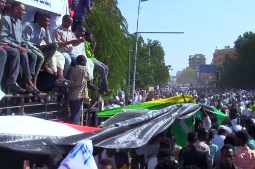 Sudan: Thousands of rally in Khartoum to 'restore' revolution
