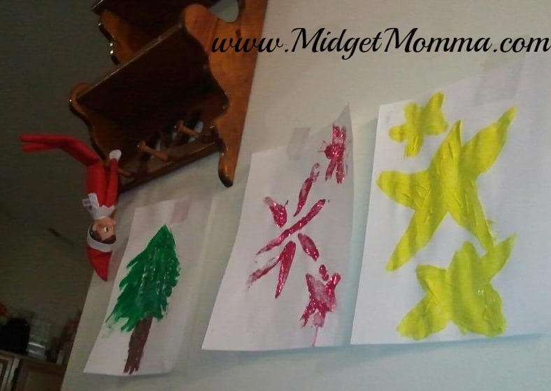 Check out our Elf on the Shelf with Santa Training in how to Decorate this year for Christmas! This is a great Easy Elf on the Shelf Idea for busy mornings!