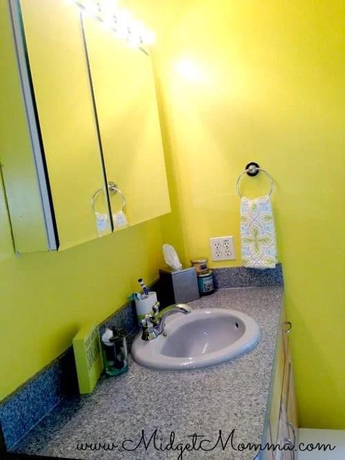 Yellow Bathroom Decor