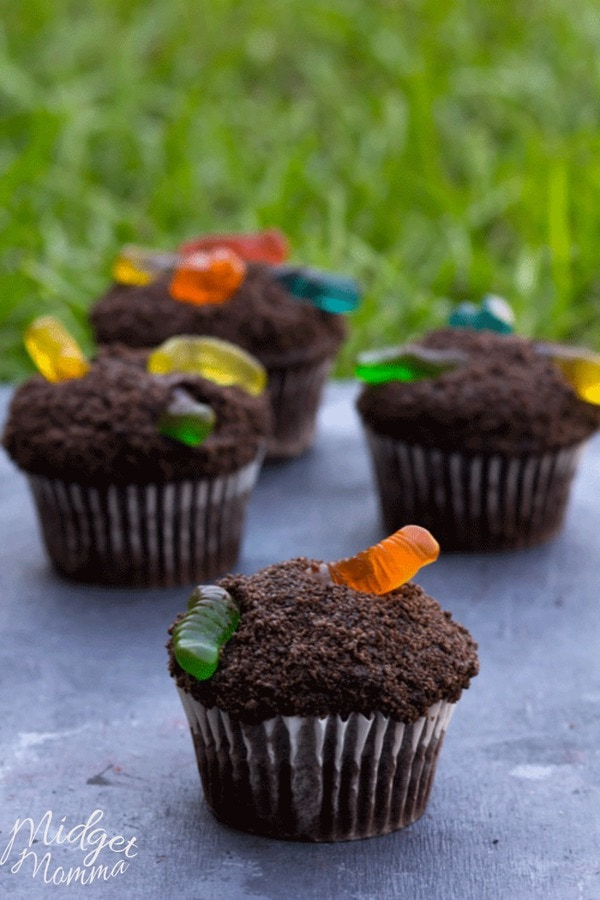 dirt cupcakes with gummy worms recipe