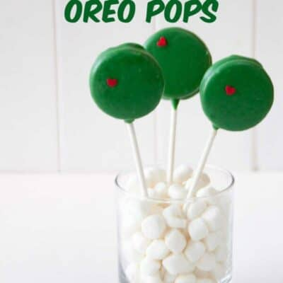 How to make Grinch Oreo Pops. Step by step directions on how to make oreo pops from the Grinch Who Stole Christmas Movie. #OreoPop #Grinch #Christmas #ChristmasRecipe #ChristmasTreat