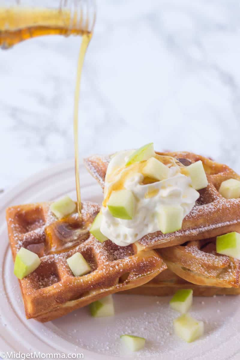 Apple cinnamon waffles with maple syrup