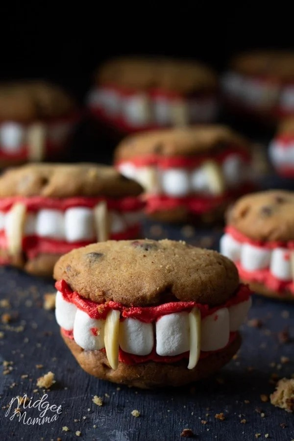 7 vampire cookies sitting together