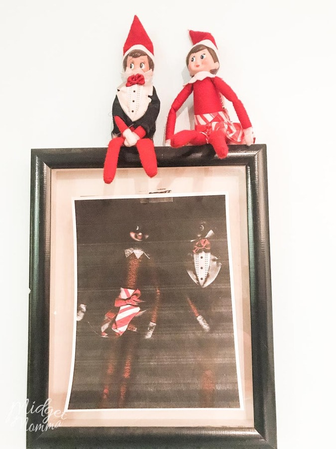 Elf on the shelf Ideas for Toddlers - Hangs their Photo