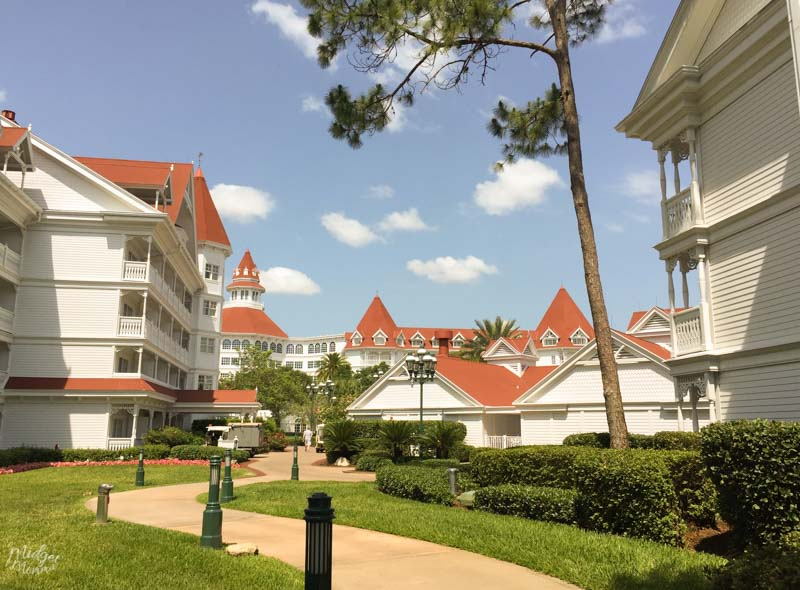 Disney World Deluxe Resort On The Monorail Line