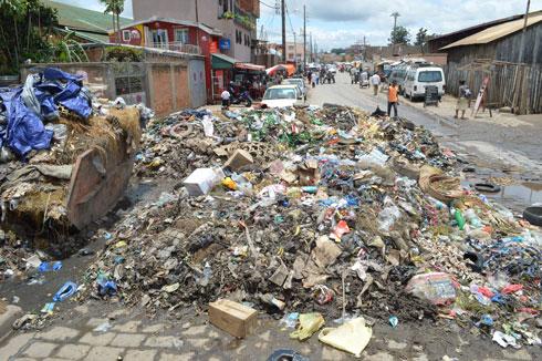 Assainissement : Montagne d'ordures à Bekiraro