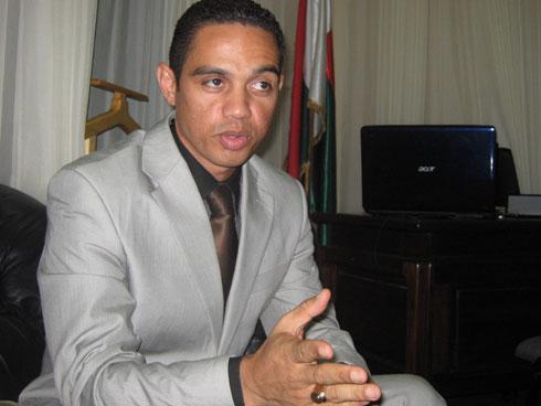 Tinoka Roberto : Pressenti pour le perchoir de l'Assemblée nationale