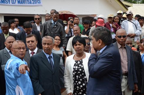 Premier Ministre : La Mouvance Ravalomanana consultée par Hery Rajaonarimampianina
