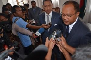 Edgard Razafindravahy face à la presse. (Photo Kelly)