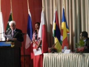 Le SG de la COI, Jean Claude de l'Estrac, lors de son discours d'ouverture au 29e conseil des ministres de la COI à Moroni.