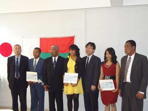 Génie civil : Des étudiants récompensés par la Fondation Uchida