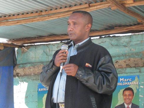 Ignace Randriamamiarizafy : « Ravalomanana fait les relations internationales de Madagascar »