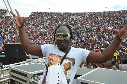 Lezami Tilongo : De la danse à la chanson !
