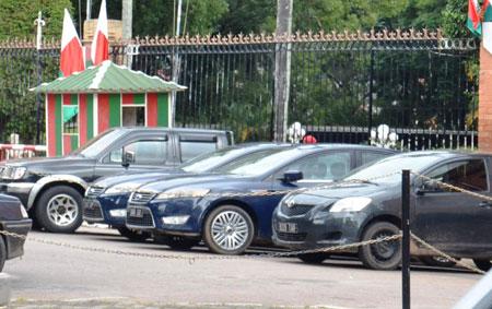 Présidence : Une vingtaine de véhicules à récupérer par voie d'huissier